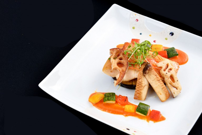 Early Summer Promotion_Kinmedai red snapper in an anchovy paprika sauce