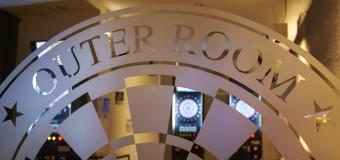 รีวิว – Outer Room