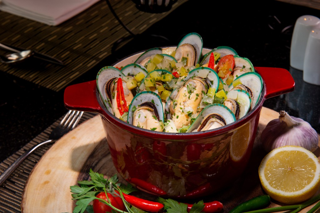 Up & Above_Friday & Saturday Seafood Buffet_2