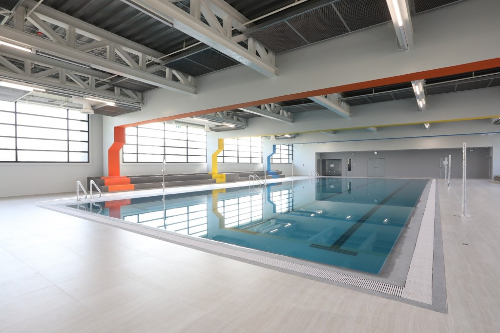 Swimming pool in Lower Loop