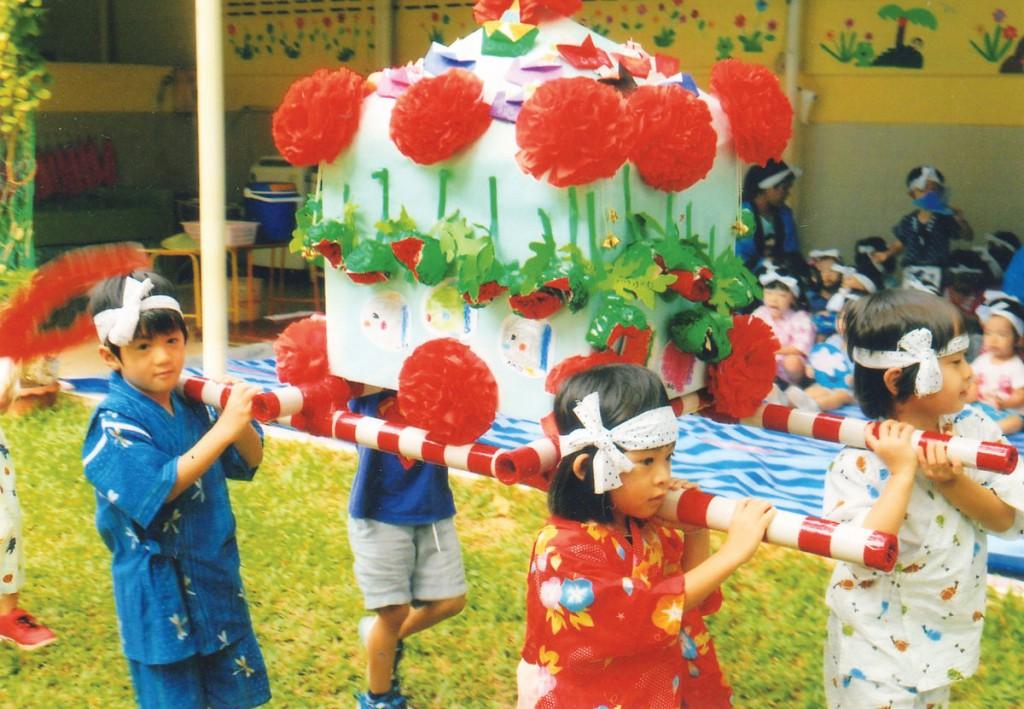 運動会や、七夕子ども会など、日本とタイの祭事にあわせた行事も。