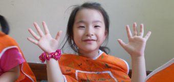 日本人にも人気の高いバイリンガル保育園に通う Nodoka Yoshikawaちゃん(6.1歳)のご両親にインタビュー
