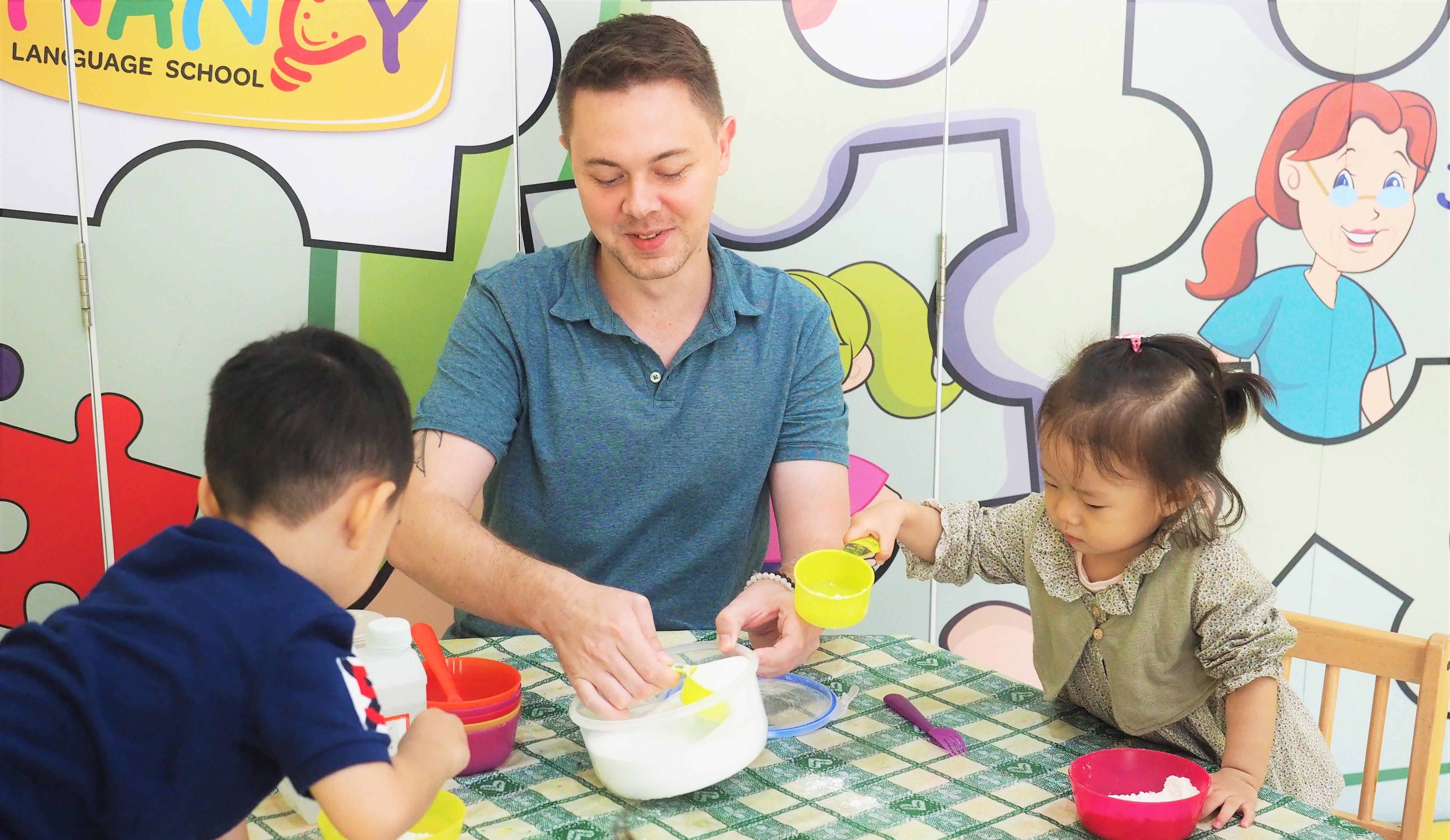 英語クラス・英語ナーサリー・大人タイ語・中国語の多種多様な言語クラスを開校する『Nancy Language School』