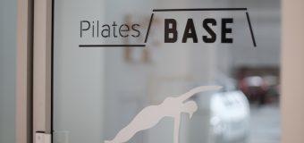 【取材先『 Pilates BASE』】エクササイズをしながら産後の体を整える  ピラティスを通して体の使い方を学ぼう!