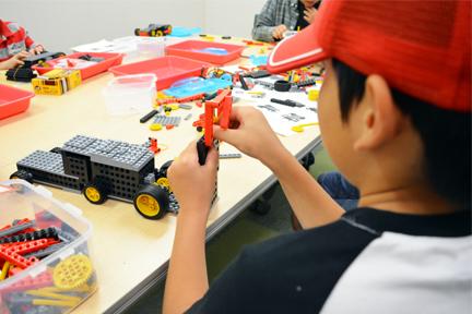世界に名だたるロボットクリエイターが教材を含むすべてのカリキュラムを監修『ヒューマンアカデミーのロボット教室の魅力に迫る!①』